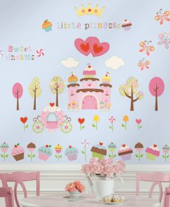 rmk1605scs_happi_cupcake_castle_wall_decals_roomset