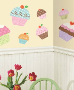 rmk2037gm_happi_cupcake_giant_wall_decals_roomset